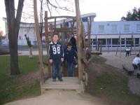 na dětském hřišti - Filip a další